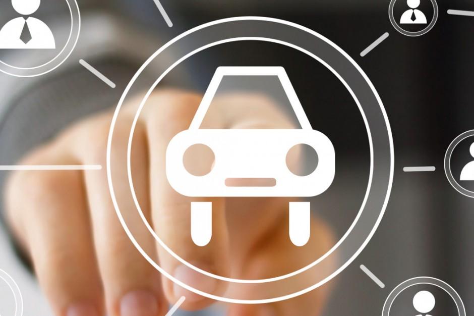 Kierowcy nie będą musieli mieć przy sobie dowodu rejestracyjnego. Nowy projekt resortu cyfryzacji