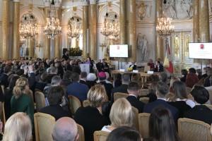 Trzech ocalonych z tytułem Honorowych Obywateli Warszawy