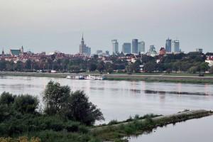 Warszawa: będzie można spożywać alkohol na plaży pod mostem Poniatowskiego