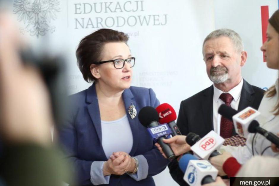 Anna Zalewska odpowiada na protest nauczycieli: podwyżki są realizowane