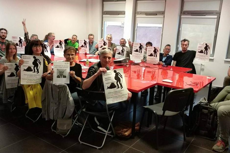 Profesor Chazan wzbudza emocje w Kielcach. Jednoczesne manifestacje przeciwników i zwolenników