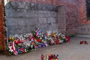 Nauczyciele i uczniowie przejdą marsz milczenia w Auschwitz