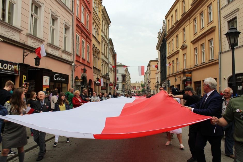 Dzień Flagi. W Krakowie padł rekord Polski na najdłuższą flagę