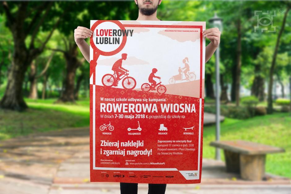 Krzysztof Żuk, prezydent Lublina zachęca uczniów do przesiadki na rower