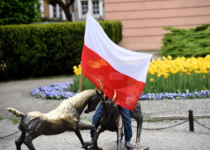 Jaśkowiak przypomniał, że obowiązująca obecnie konstytucja jest gwarantem wolności słowa, swobód obywatelskich czy trójpodziału władzy. (fot.poznan.pl)