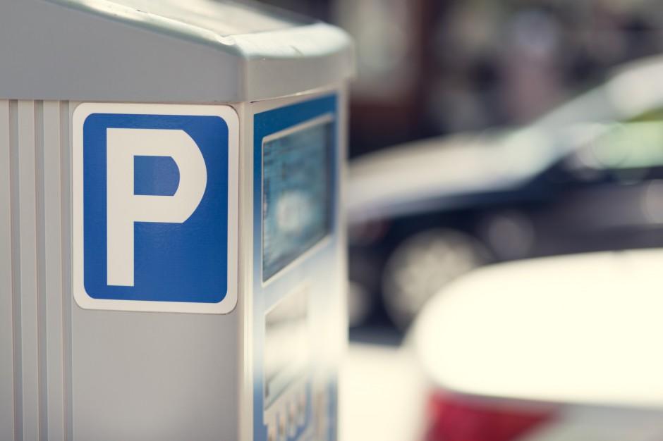 """Zielona Góra buduje pierwsze parkingi w ramach """"Parking 1000 plus"""""""