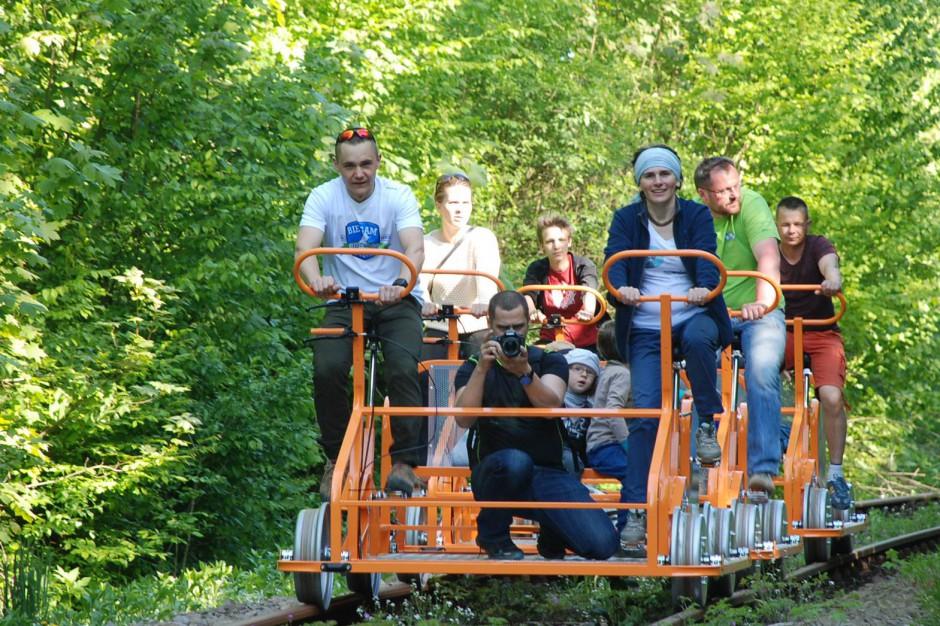 Turyści chcą zwiedzać Bieszczady na drezynach rowerowych