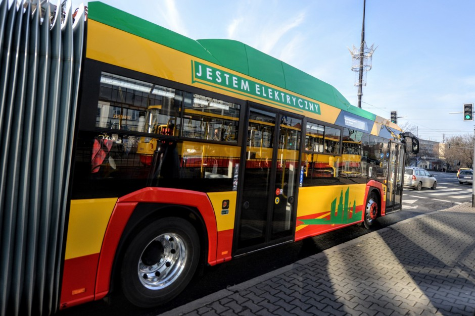 Transport publiczny i mobilność w miastach. Ważne debaty na Kongresie