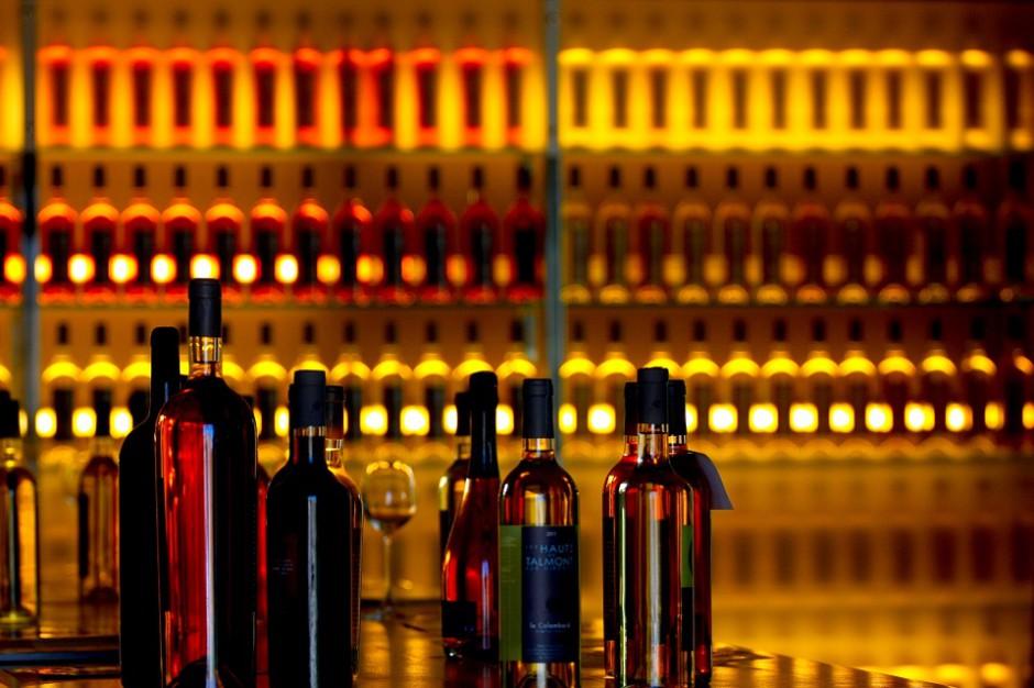 Noce z zakazem sprzedaży alkoholu. Gminy idą za głosem mieszkańców