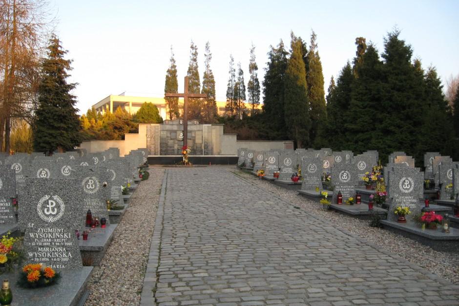 Gdańsk: Na Cmentarzu Łostowickim odsłonięty zostanie Pomnik Ponarski
