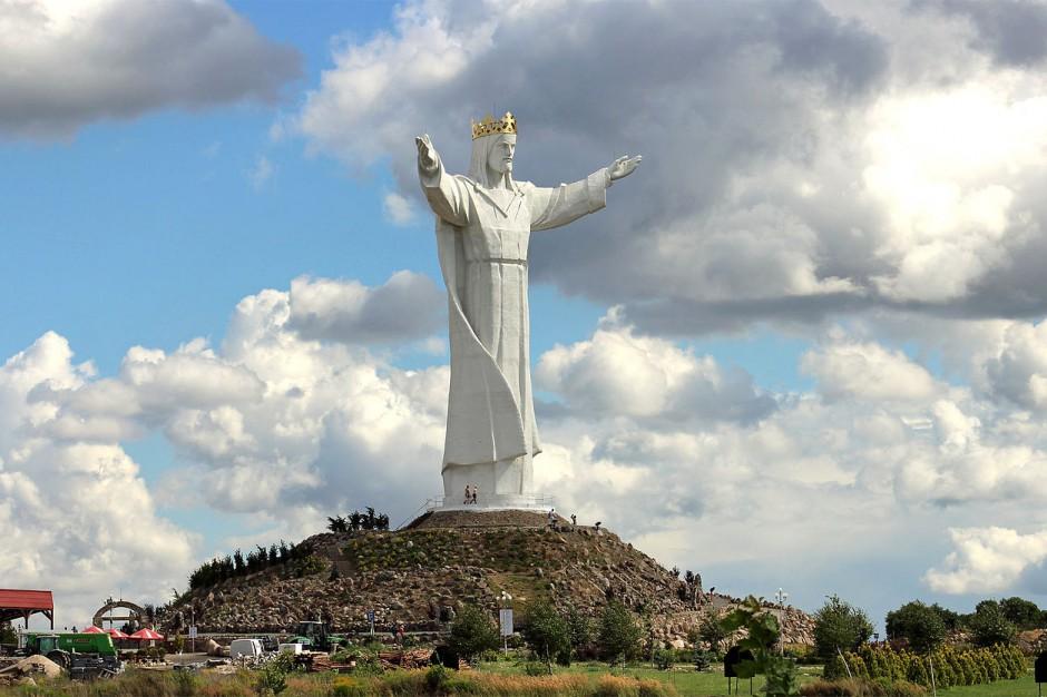 Z figury Chrystusa Króla w Świebodzinie zdemontowano anteny