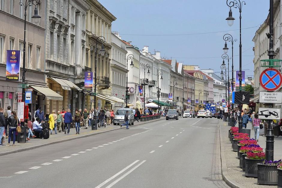 Barierki antyterrorystyczne na Trakcie Królewskim będą kosztować 7,3 mln zł