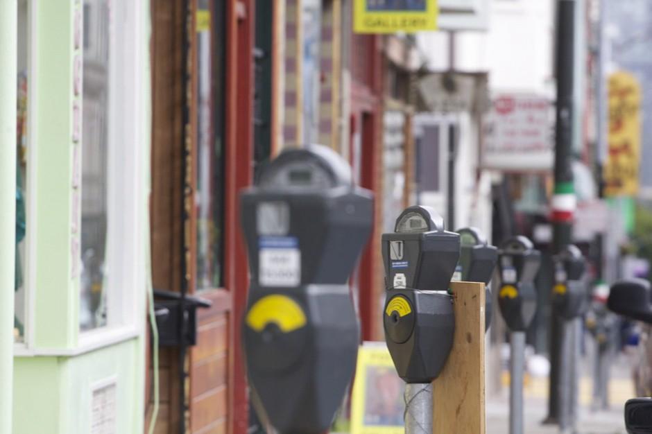 Ile kosztuje parkowanie w miastach?
