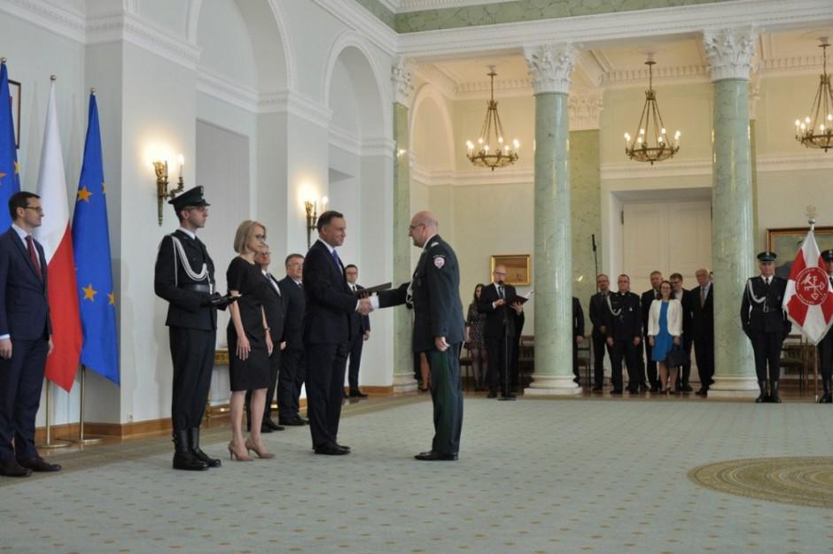 Andrzej Duda: służba celno-skarbowa ma niezwykłe znaczenie