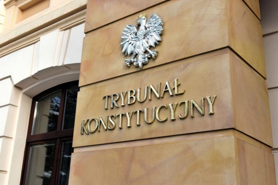 Obniżenie pensji. Samorządowcy chcą skierowania wniosku do Trybunału Konstytucyjnego
