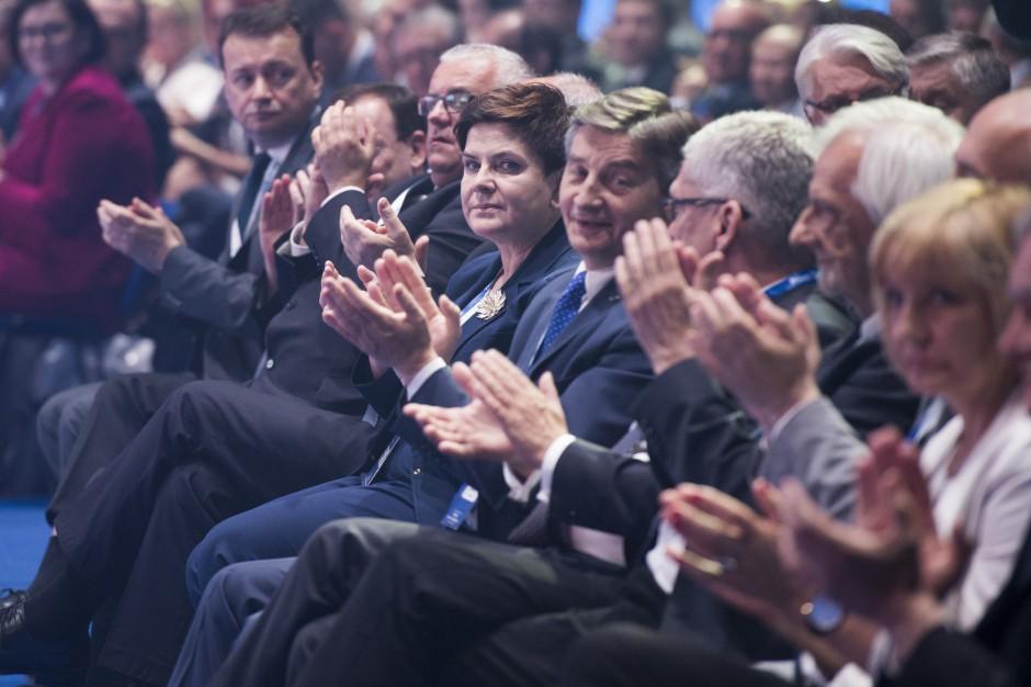 W sobotę politycy PiS odwiedzą 13 województw