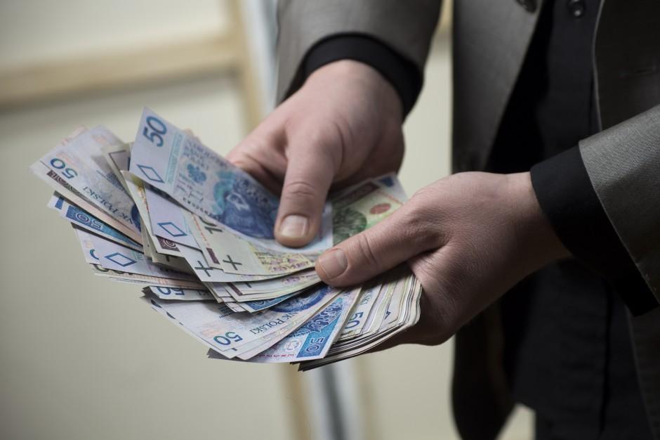 A może pensje w samorządzie powinny być symboliczne?