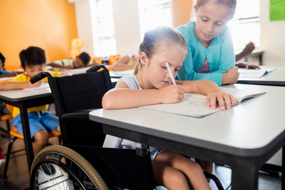 Uczniowie niepełnosprawni. Ministerstwo wyjaśnia wątpliwości