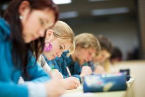 Maturzyści zdają egzamin z języka włoskiego