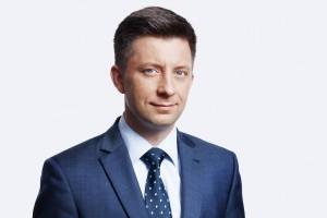 Dworczyk: Dziwne byłoby, gdyby radny czy burmistrz zarabiał więcej niż minister