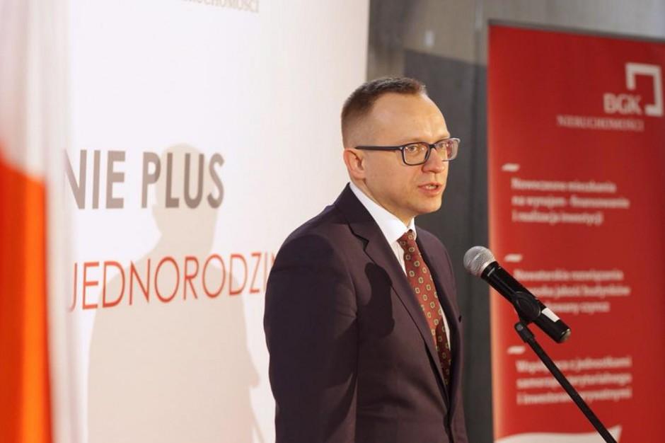 Soboń: to gmina będzie decydować o odległości mieszkań od np. szkół czy przystanków