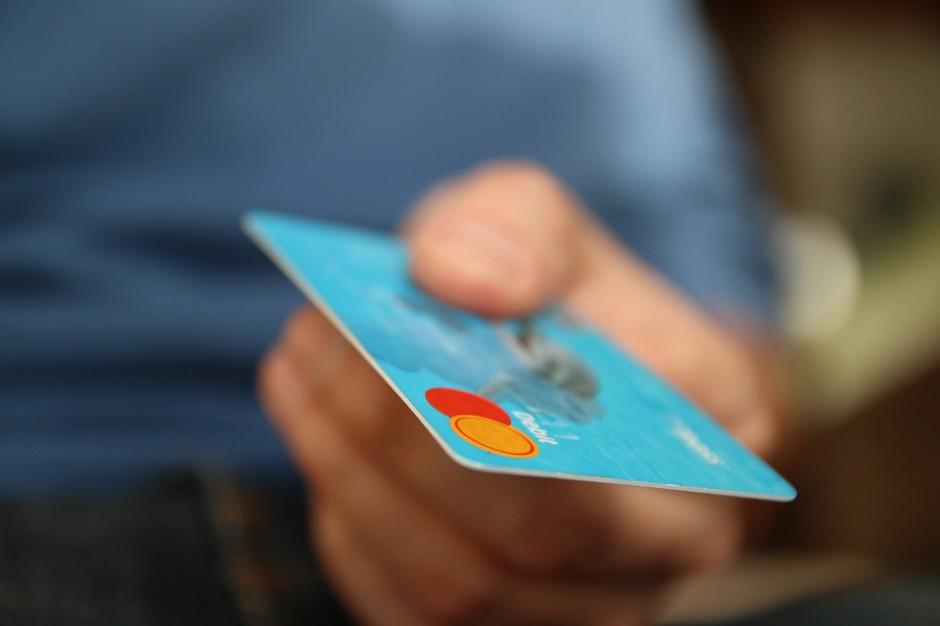 Urzędy przekonują się do płatności kartą lub przez telefon