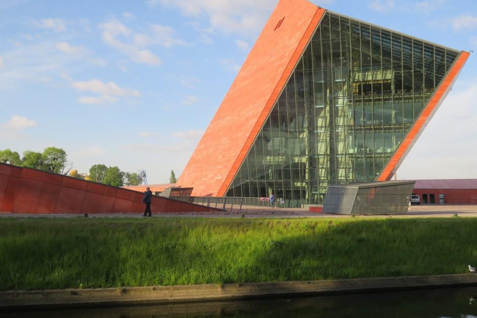 Nieprawidłowości przy budowie Muzeum II Wojny Światowej