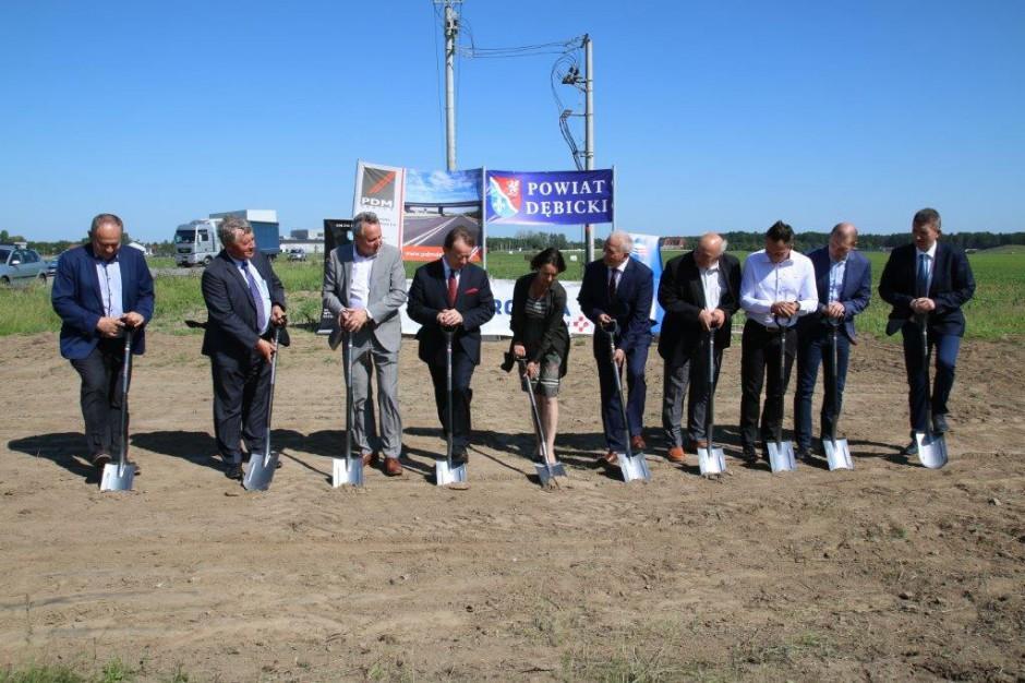 Podkarpacie: Rozpoczęła się budowa łącznika z autostradą w Dębicy