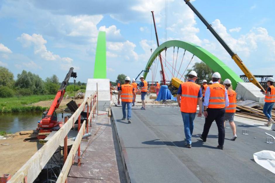 Inwestycje drogowe w Łódzkiem. Jedne na ukończeniu, inne się rozpoczynają