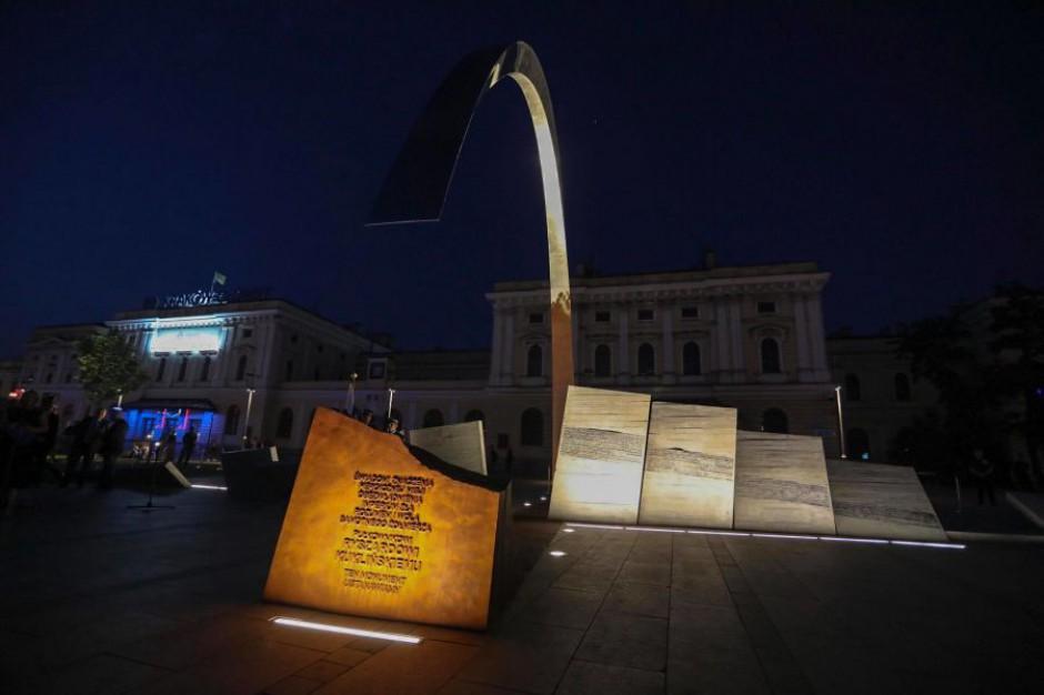 W Krakowie stanął pomnik gen. Ryszarda Kuklińskiego