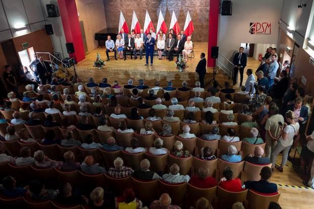 Beata szydło na spotkaniu z mieszkańcami w Skarżysku-Kamiennej (fot./twitter.com/BeataSzydlo)