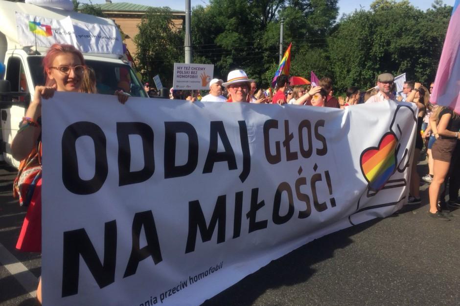 Ulicami Warszawy przeszła Parada Równości. Co na to Patryk Jaki?