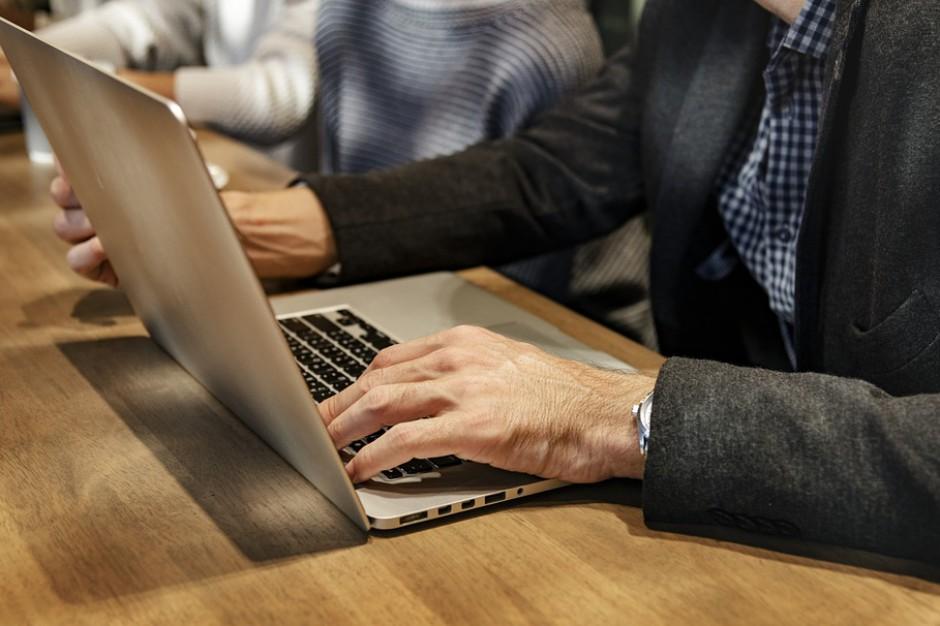 Gminy mogą starać się o granty na walkę z wykluczeniem cyfrowym
