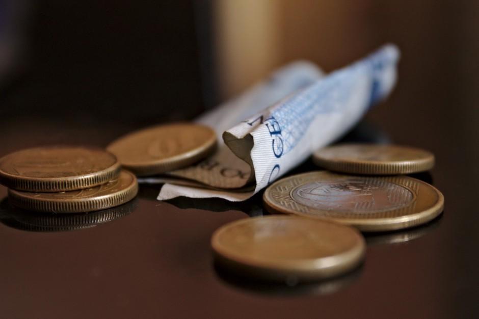 Waloryzacja płac w budżetówce. Rząd zasłania się przepisami