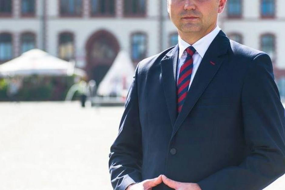 Olsztyn: interwencja posła PiS Jerzego Małeckiego w urzędzie miasta