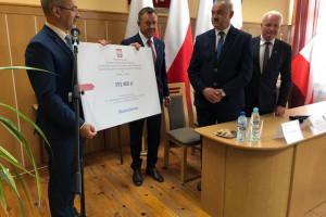 Minister chwali współpracę rządu i samorządów
