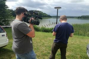 Koniec z ogrodzeniami! Wody Polskie chcą uwolnić brzegi jezior dla spacerujących