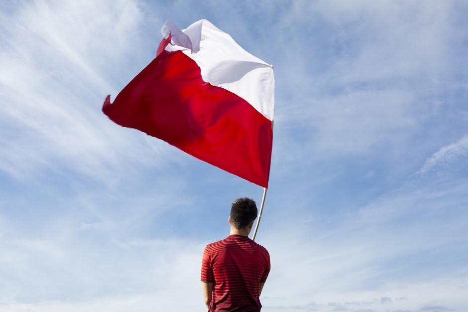 Wojewoda Zdzisław Sipiera apeluje o wywieszenie biało-czerwonych flag na 100-lecie niepodległości Polski