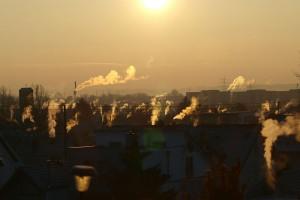 """Smog w metropoliach. Przyczyną rosnąca liczba aut i """"brudne"""" paliwo"""