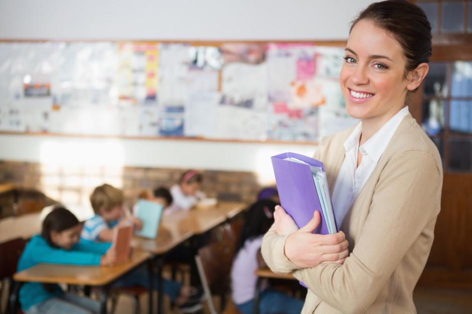 Dolnośląskie. Po reformie oświaty o 255 nauczycieli więcej w szkołach