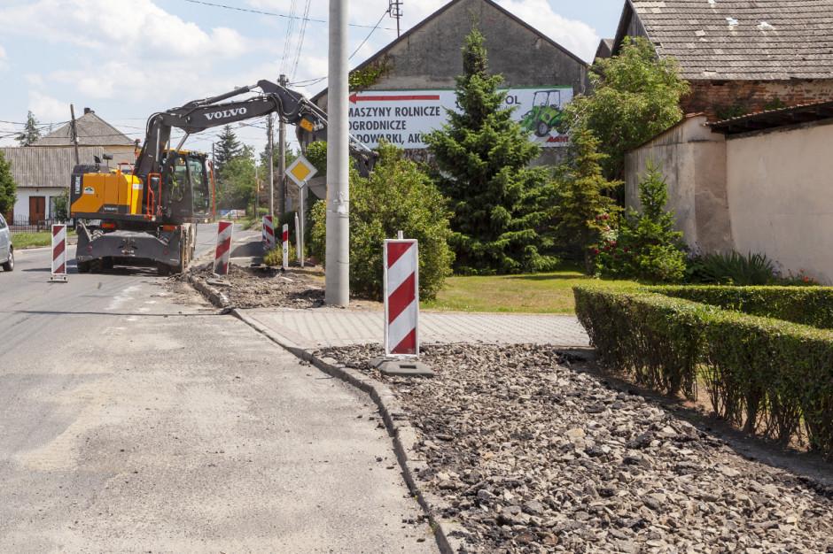 Trwa przebudowa drogi 416 na Opolszczyźnie. Utrudnienia potrwają do końca roku