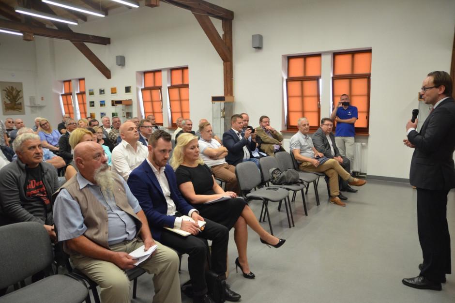 Ruszają konsultacje gminne w sprawie włączenia do Złocieńca części zadłużonych Ostrowic