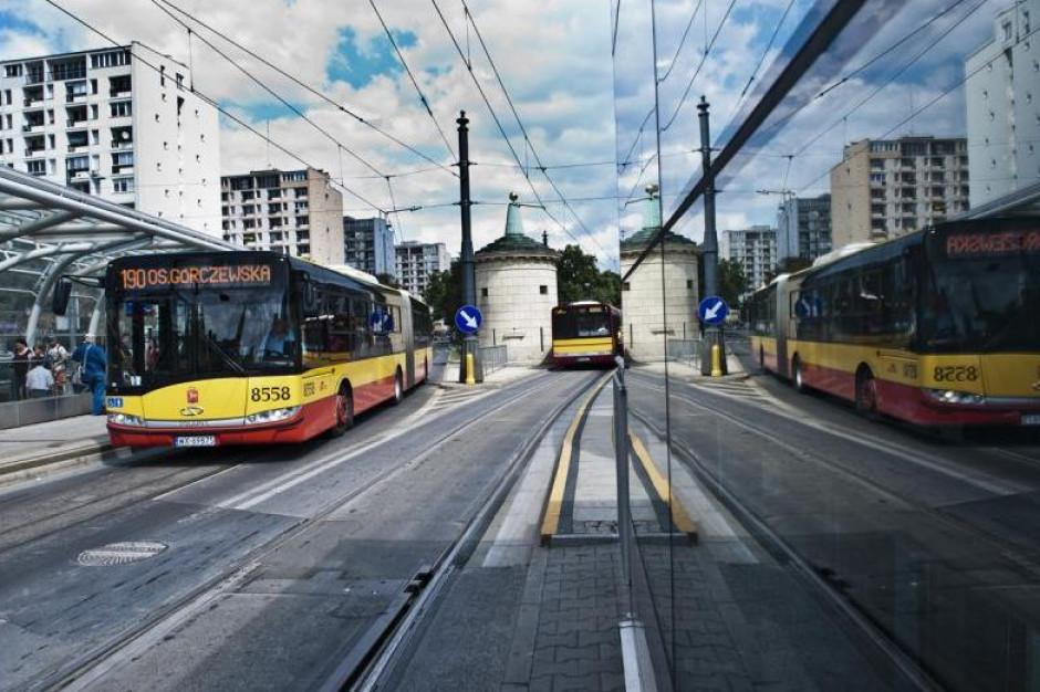 Warszawa ma blisko 66 km buspasów. A będzie ich więcej