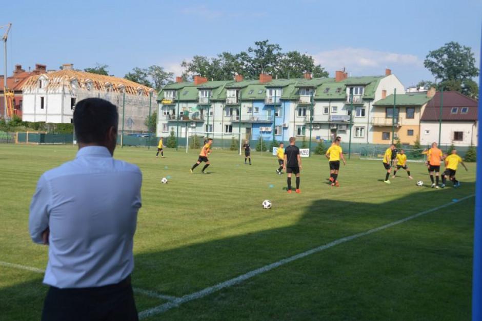 Byli szefowie Podkarpackiego Związku Piłki Nożnej podejrzani o przywłaszczenie mienia
