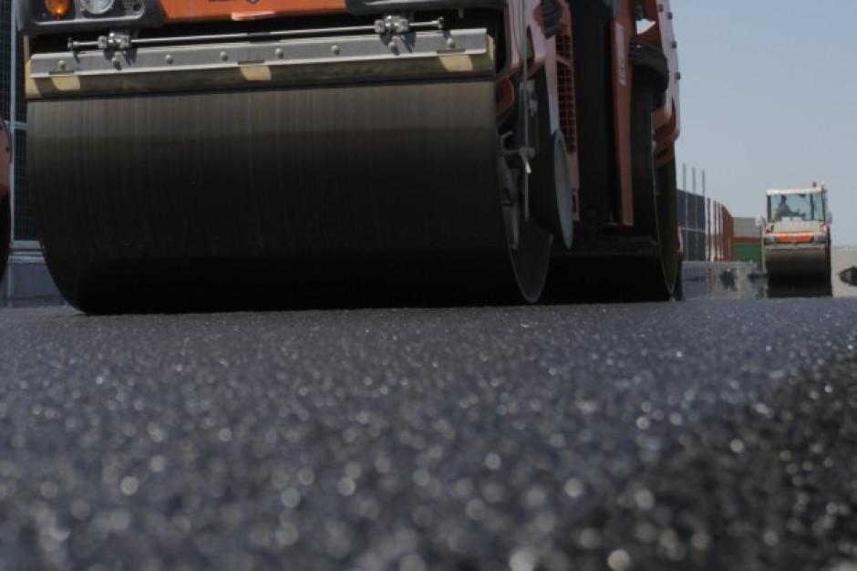 Adamczyk: dofinansujemy samorządy w remontach dróg w zależności od ich dochodów