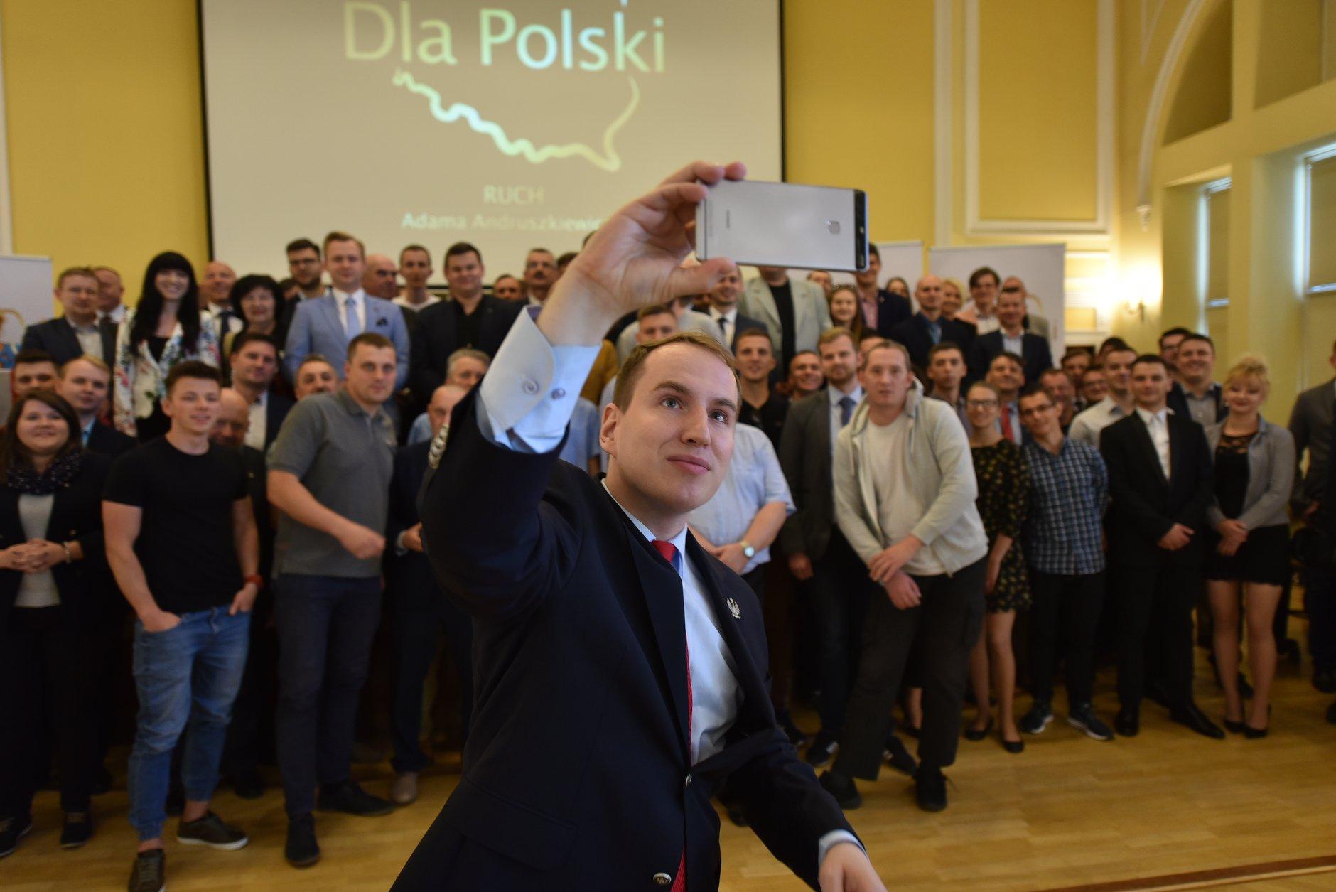 Poseł Adam Andruszkiewicz z koła poselskiego Wolni i Solidarni (fot. facebook.com/pg/andruszkiewicz.blog)