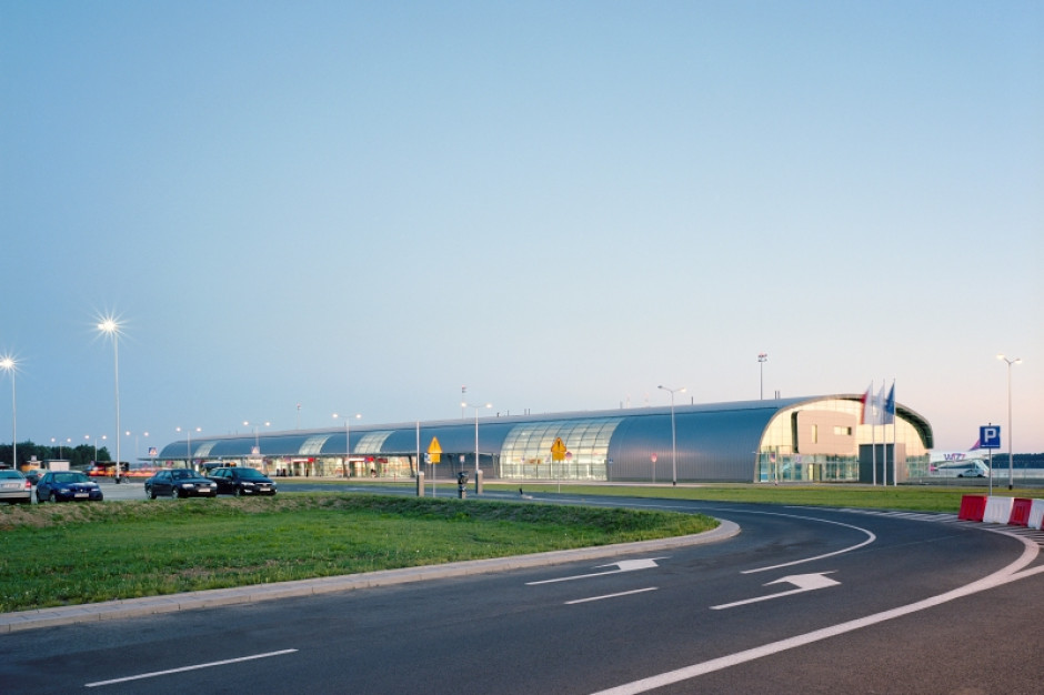 Patowa sytuacja Portu Lotniczego w Modlinie. Ogromna inwestycja, albo śmierć naturalna?