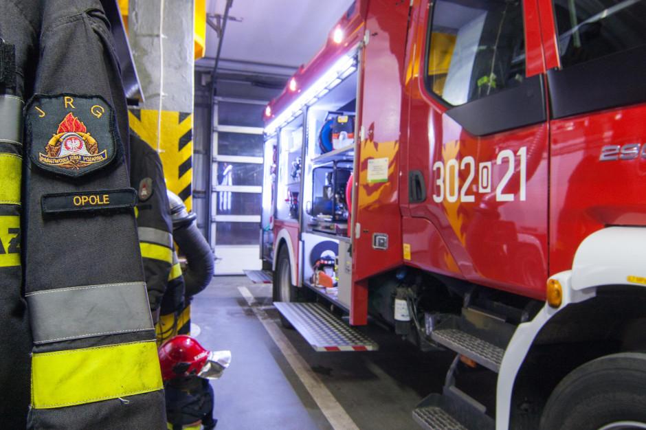 Pożar nielegalnego składowiska śmieci  w Dąbrowie Niemodlińskiej