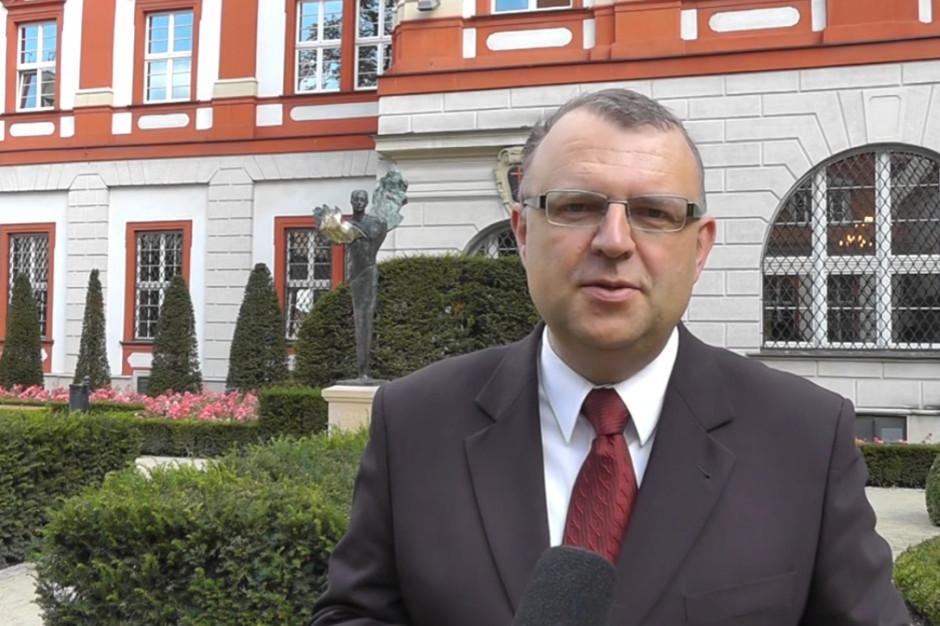Kazimierz M. Ujazdowski z poparciem Unii Pracy, ruchu OK Wrocław i stowarzyszenia Inicjatywa 20/30.