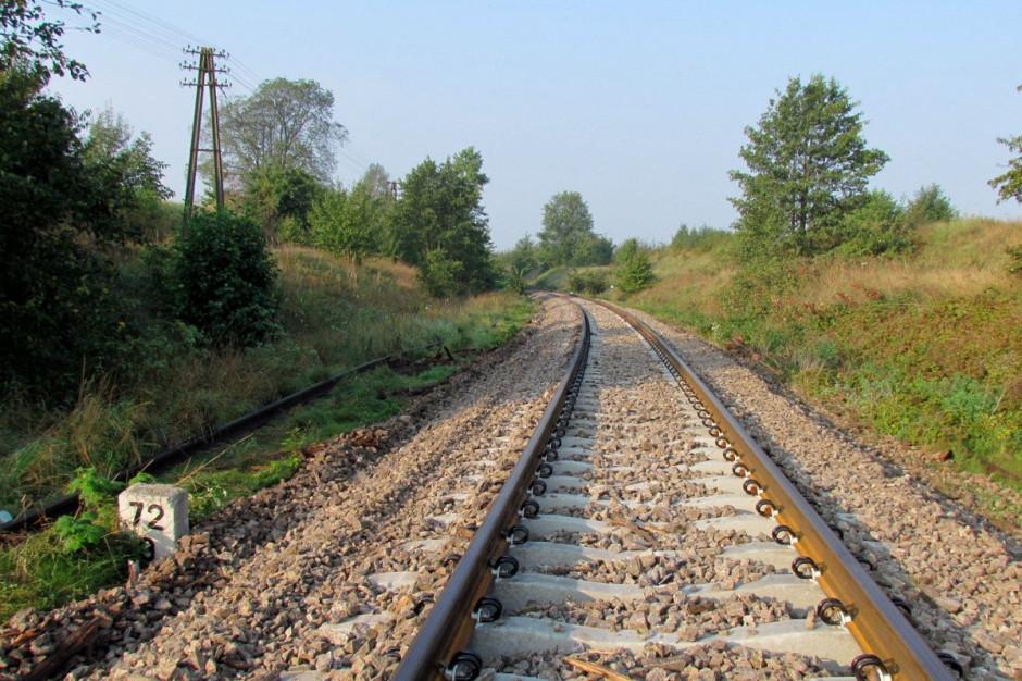 Przebudowa linii kolejowej Poznań - Warszawa. Trwają prace w rejonie Konina